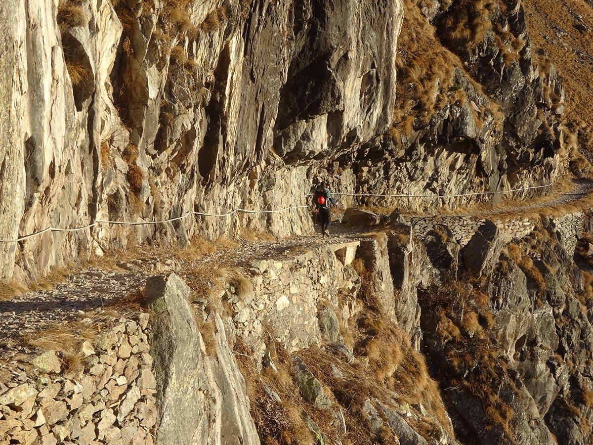 Il sentiero verso il Rifugio Curò