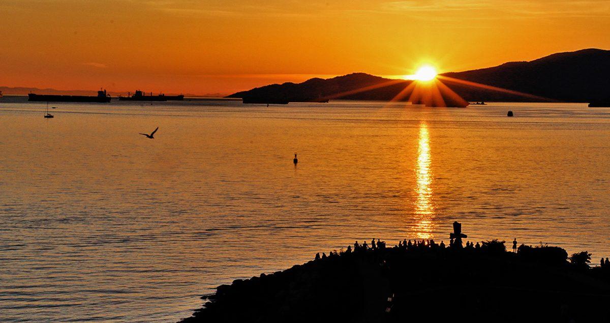 Tramonto English Bay