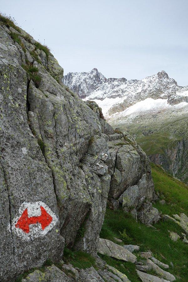 Lungo il trekking, sullo sfondo la Weissmeiss