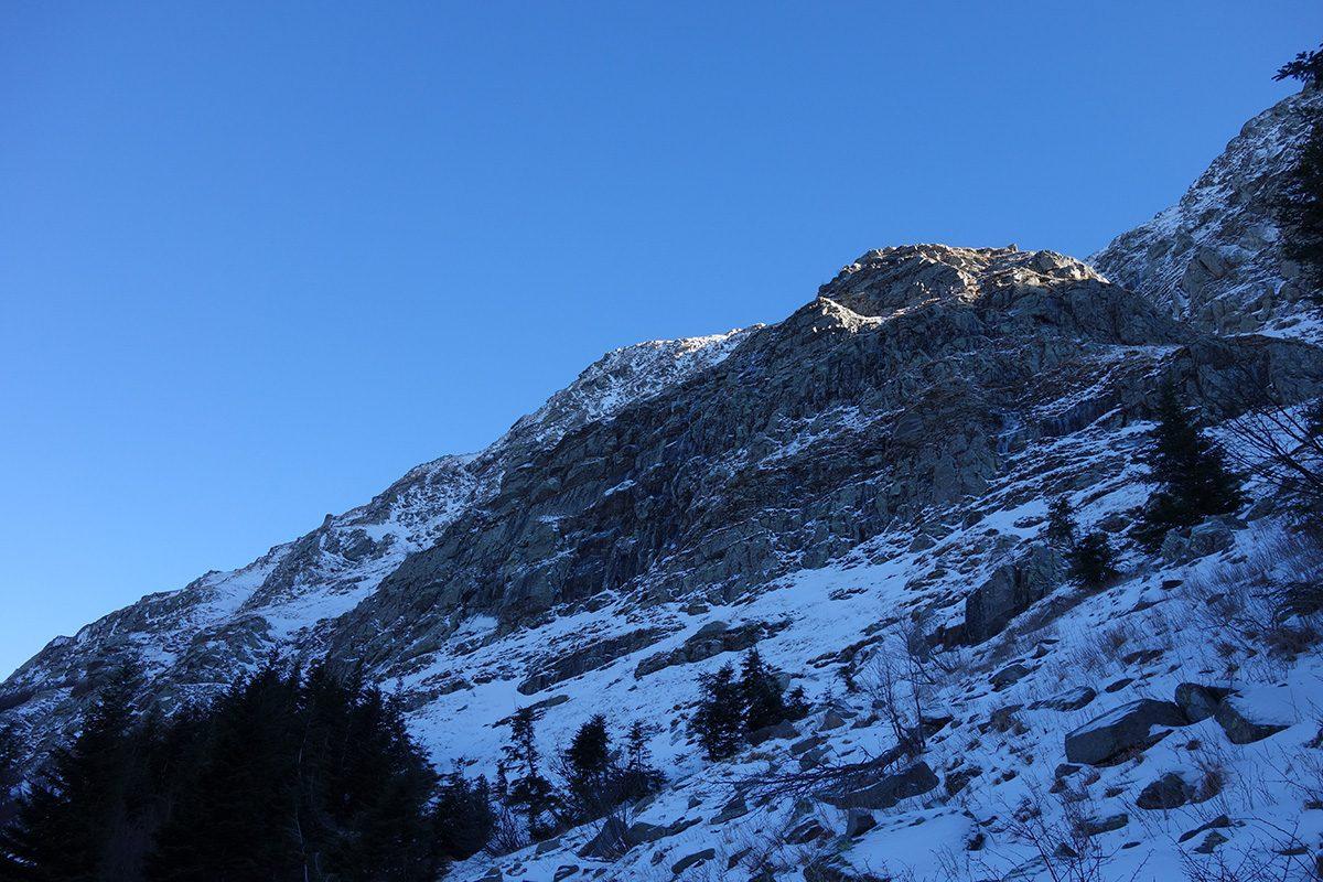L'imponente parte centrale del versante Ovest del Roccabiasca