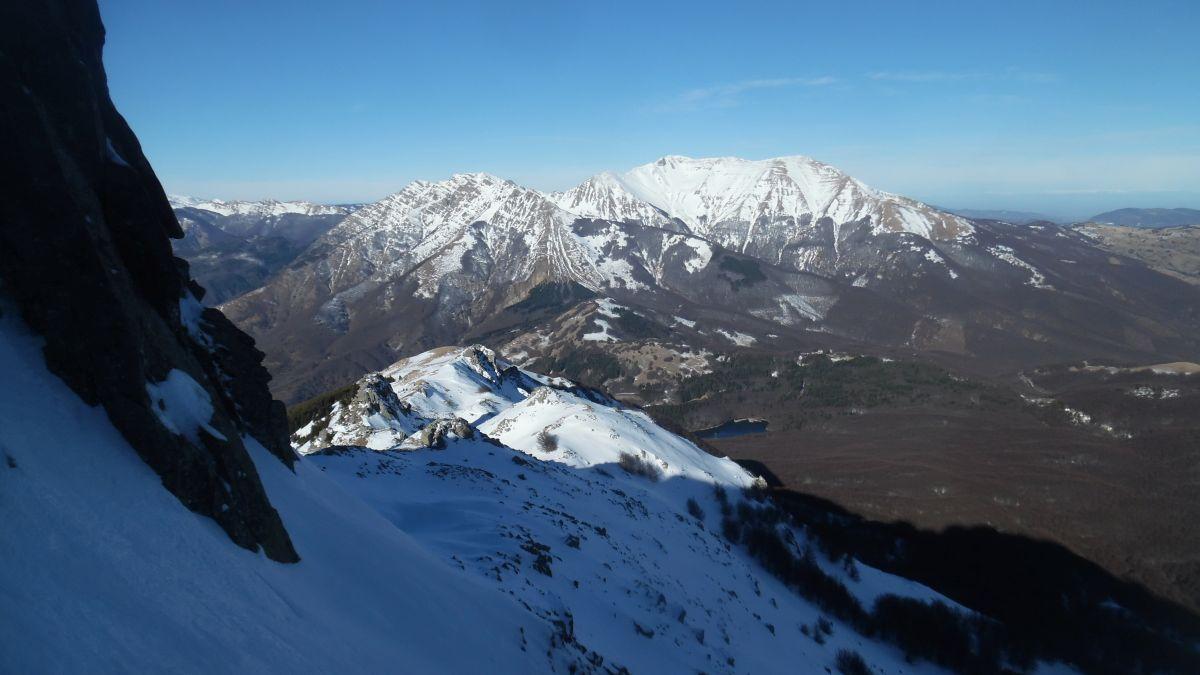 Vista sull'Alpe di Succiso dal canale