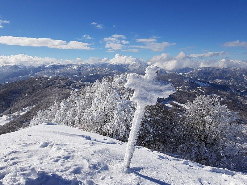 Il crinale dalla cima del Monte Caio (8 febbraio 2018)