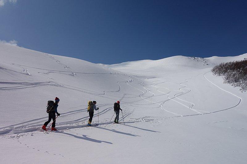 Bella mattinata e ottima neve (per sciare) a Prato Spilla sabato 23 marzo