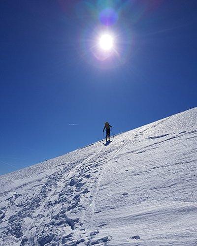 Salendo lungo la Cresta Nord del Cusna