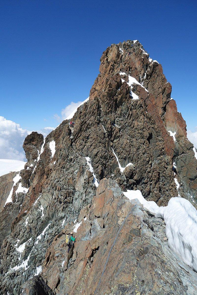 Il terzo e più facile tratto roccioso della cresta del Breithorn Centrale