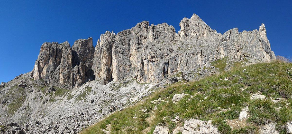 Le cime del Masaré, la Roda del Diavolo è la seconda da destra