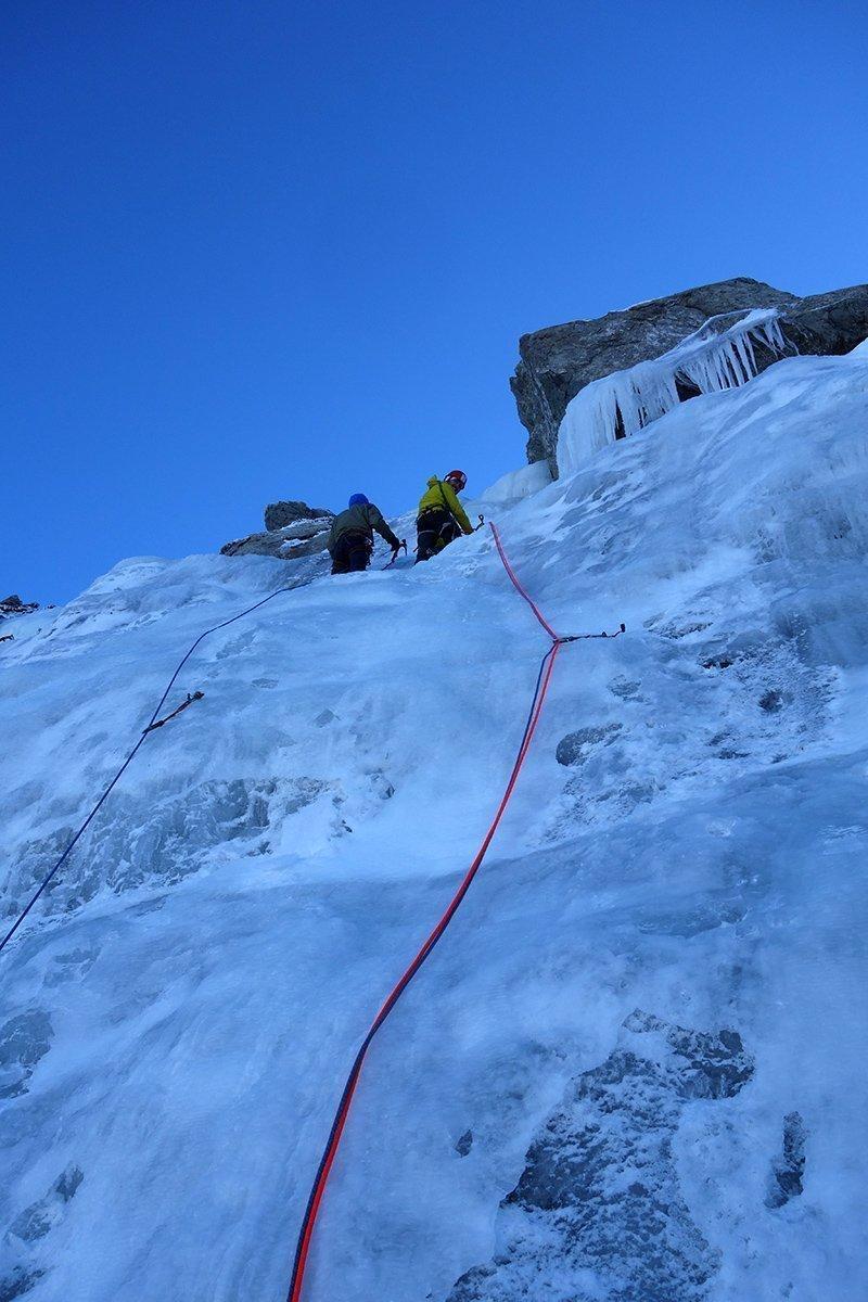 Traffico su ghiaccio abbondante