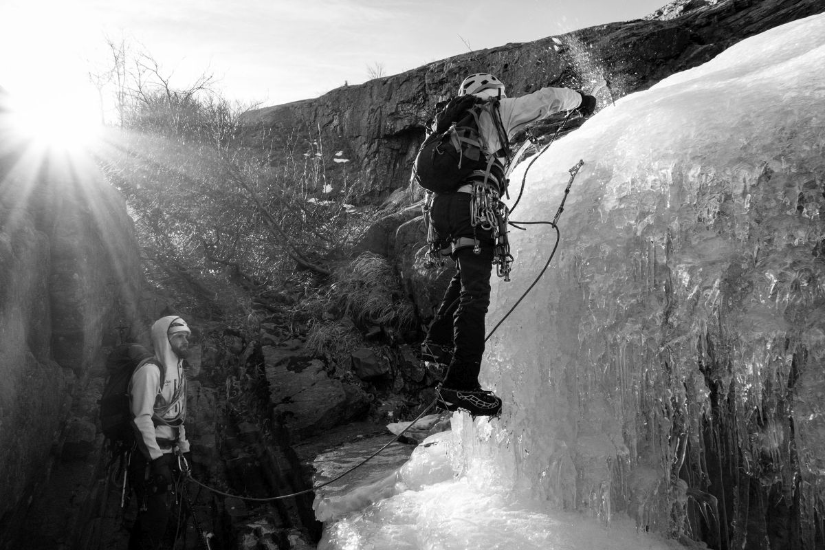 Luca all'attacco della Candelina sulla cascata del Pumacciolo