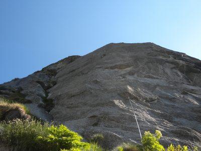 L'inizio del pilastro vero e proprio con tutta la sua verticalità, Luigi su L4, VII (foto F. Cerri)