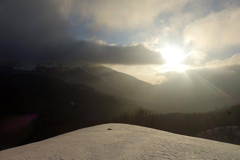 Alba con un passaggio nuvoloso contemporaneo all'arrivo dell'aria fredda sabato mattina